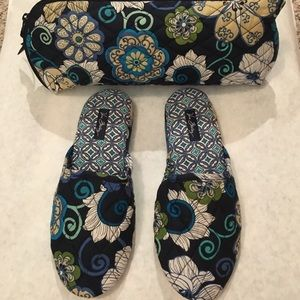 🦋Vera Bradley Slippers & Storage Case M7/8